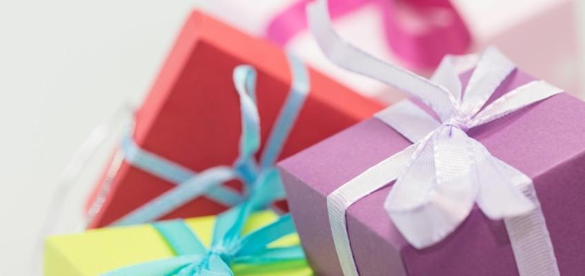 Balení dárků nemusí být jen stres. Jak na to?