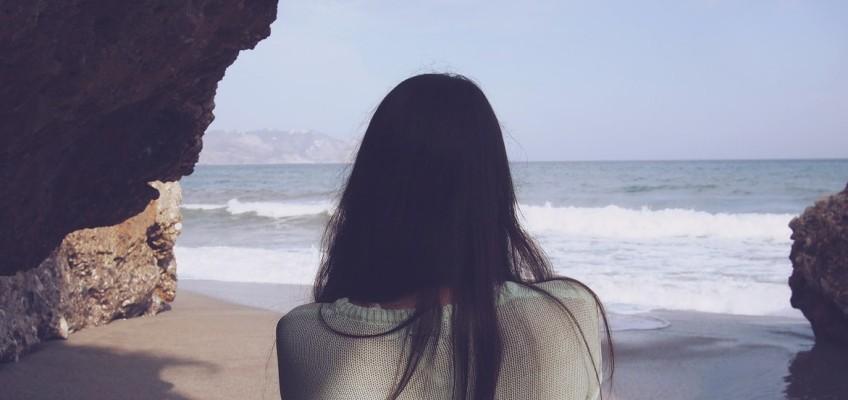 Jak docílit objemu u jemných a věčně poletujících vlasů