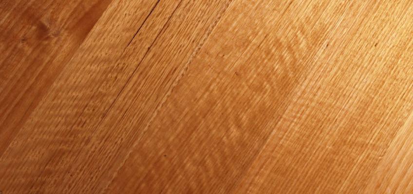 Milujete dřevo, ale nemůžete si ho dovolit? Vsaďte na vinyl