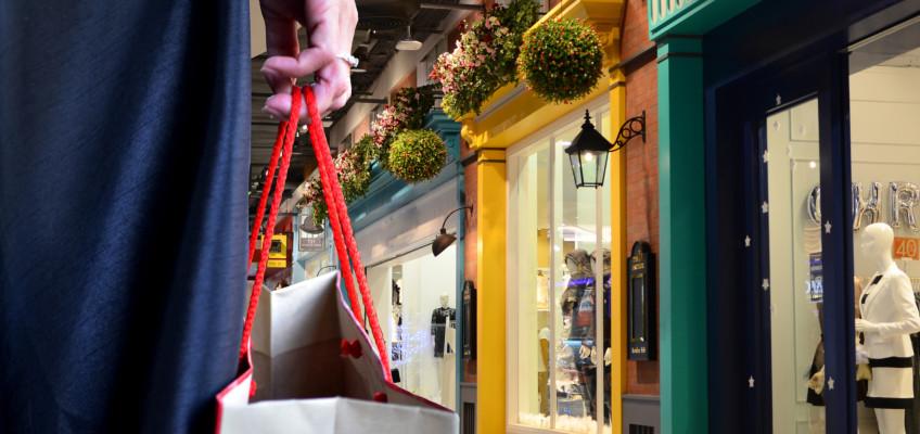 Více než polovina lidí o nákupu rozhoduje přímo v místě prodeje. Reklamní nosiče hrají významnou roli
