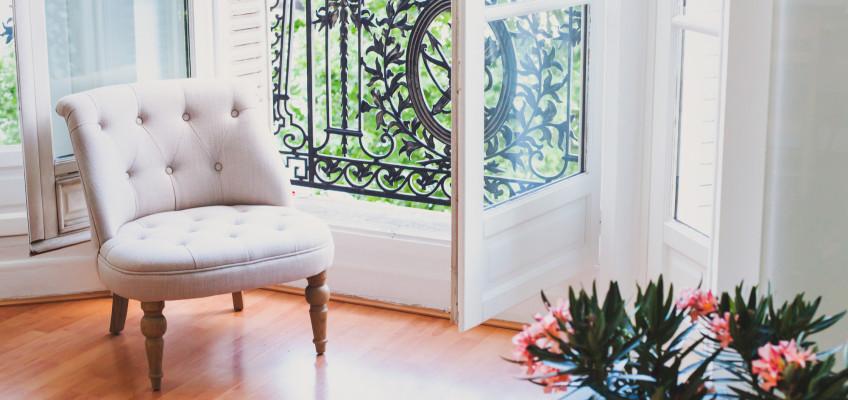 Nové bydlení ve francouzském stylu. Dopomůže vám k němu i vhodně zvolená podlaha