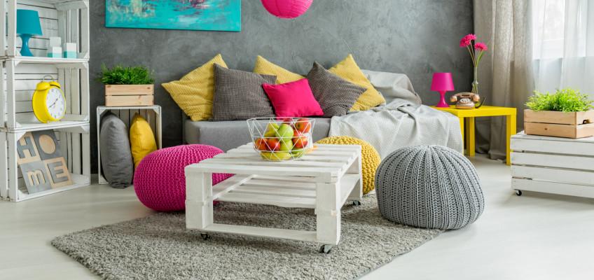 Léto na podlaze: ozdobte si interiér barvami a veselým designem kusových koberců