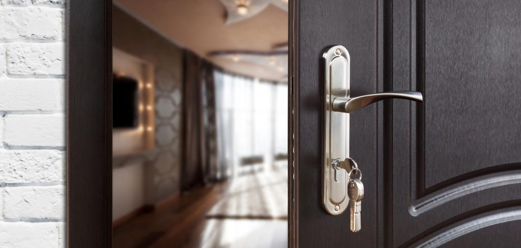 Než si pořídíte bezpečnostní dveře…Creative Commons (shutterstock.com)