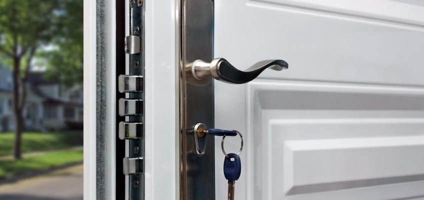 Zloděje a jiné vetřelce spolehlivě odradí pouze dveře 3. bezpečnostní třídy a výše