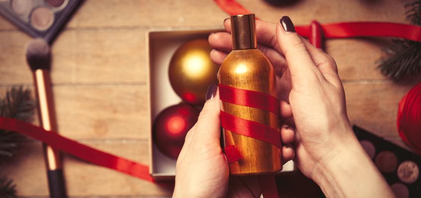 Kvalitní kosmetika udělá pod stromečkem radost nejen ženám