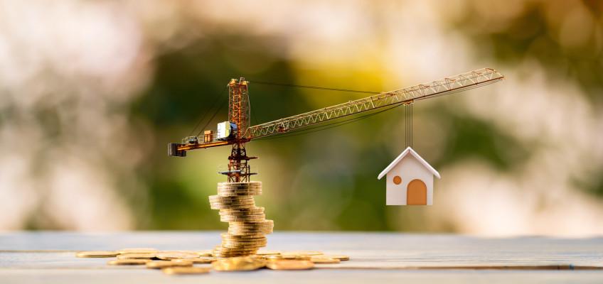 Nemovitosti jsou v Česku drahé, radikální pokles cen očekávat nelze