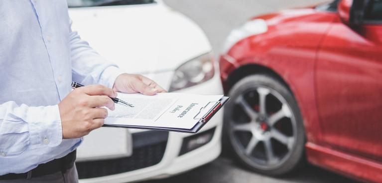 Havarijní pojištění u aut starších pěti let je třeba důkladně promyslet