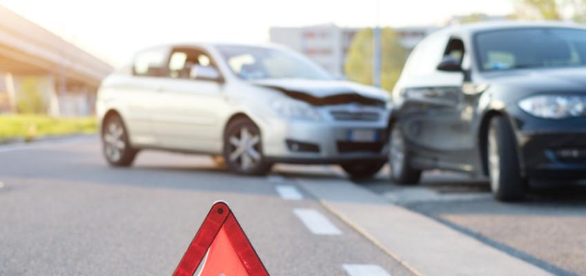 Vyrážíte do zahraničí autem? Přečtěte si, jak postupovat v případě autonehody