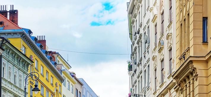 Pokles cen bytů se neočekává, poptávka je stále obrovská