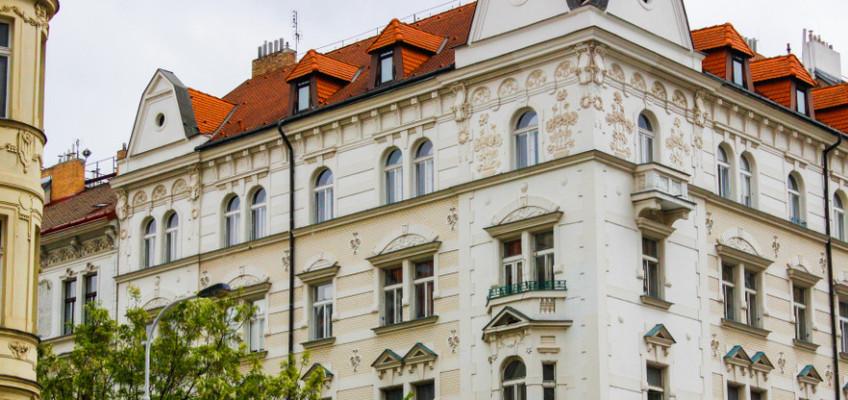 Koronavirus investiční nemovitosti nepodkopal. Jako investor však musíte být obezřetný