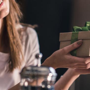 Originálně zabalený dárek potěší dvakrát
