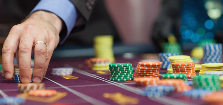 Již přes dva týdny běží v plném provozu rejstřík vyloučených osob. Co to pro milovníky hazardu znamená?